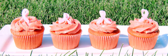 breast cancer strawberry cupcakes