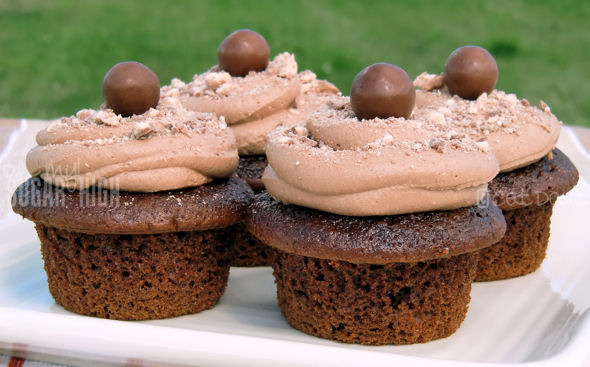 chocolate malt Whoppers Cupcakes