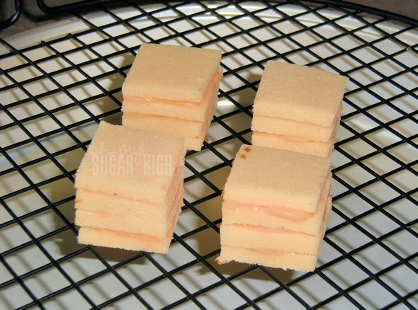 petit four with pudding filling