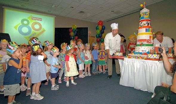 FisherPrice Celebrates 80 Years with an Amazing Cake Oh My Sugar