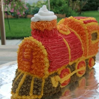 Wilton 3-D Express Train Cake Tutorial