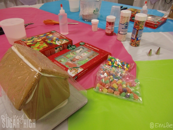 Gingerbread Decorating Fun With Wilton Giveaway Oh My