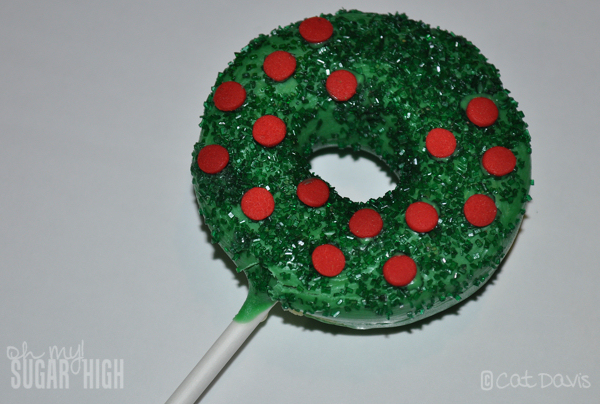 wreath cake pop decorated