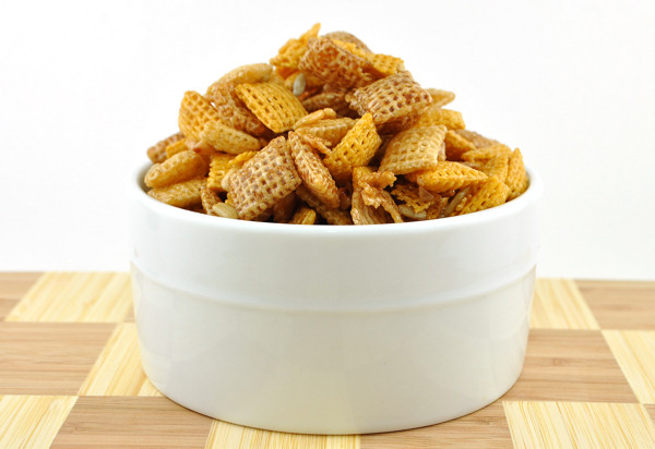 sweet toffee caramel chex party mix