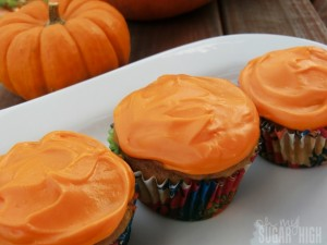 Pumpkin Spice Cream Cheese Cupcakes