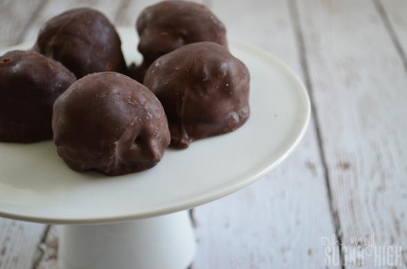 Easy Coconut Chocolate Balls 1