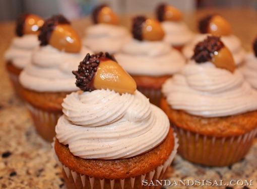 pumpkin cupcakes cinnamon cream cheese frosting sandandsisal