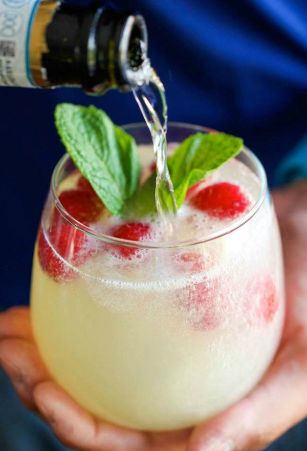 Sparkling Limoncello-Raspberry Cocktail Recipe — Dishmaps