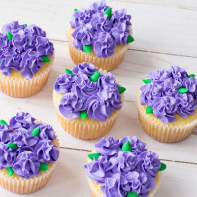 pretty purple flower cupcakes