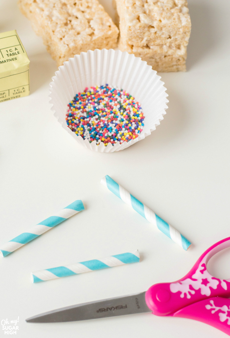 how to cut straws for cereal treats on a stick